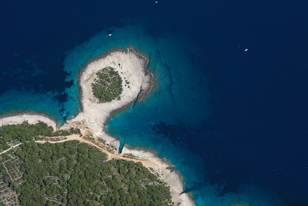 end-of-island-korcula-lumbarda